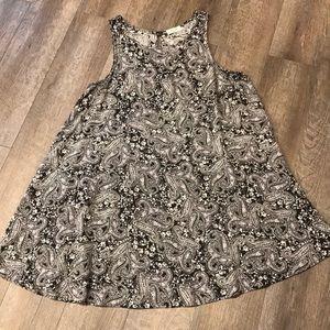 Black & white paisley dress M-L
